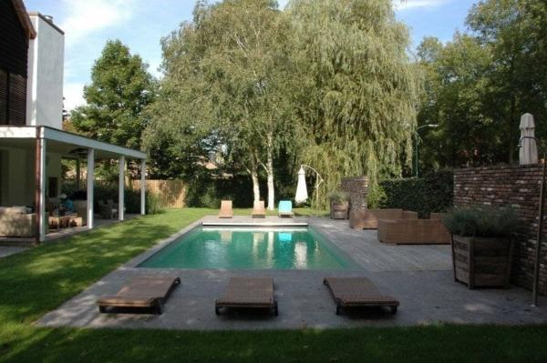 Tuinarchitect van moderne tuinen met zwembad