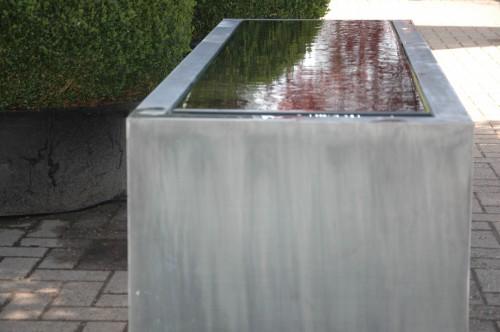 Waterelement waterlement in tuin van zink origineel waterelement
