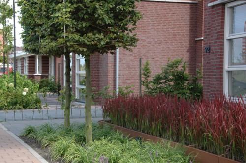 Cortenstaal plantenbakken ontwerpen met bloembakken - Buiten terras model ...