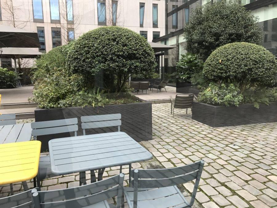 Binnentuin ontwerpen in stad ontwerpen terras voor grote binnentuin - Moderne buitentuin ...