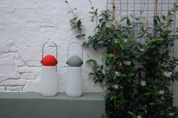 originele tuinverlichting in stadstuin
